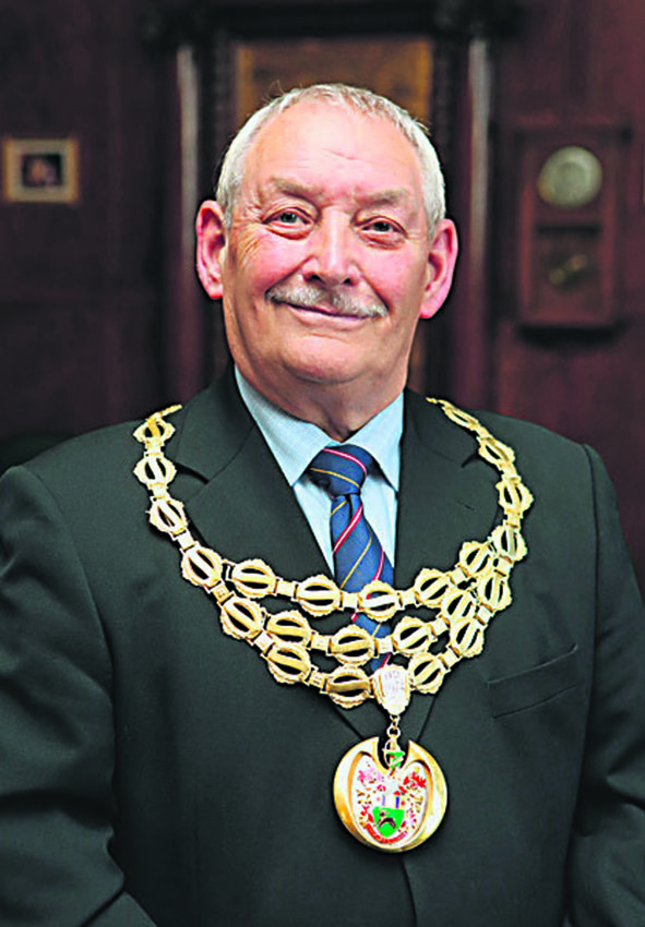 Tributes to former mayor Kenneth