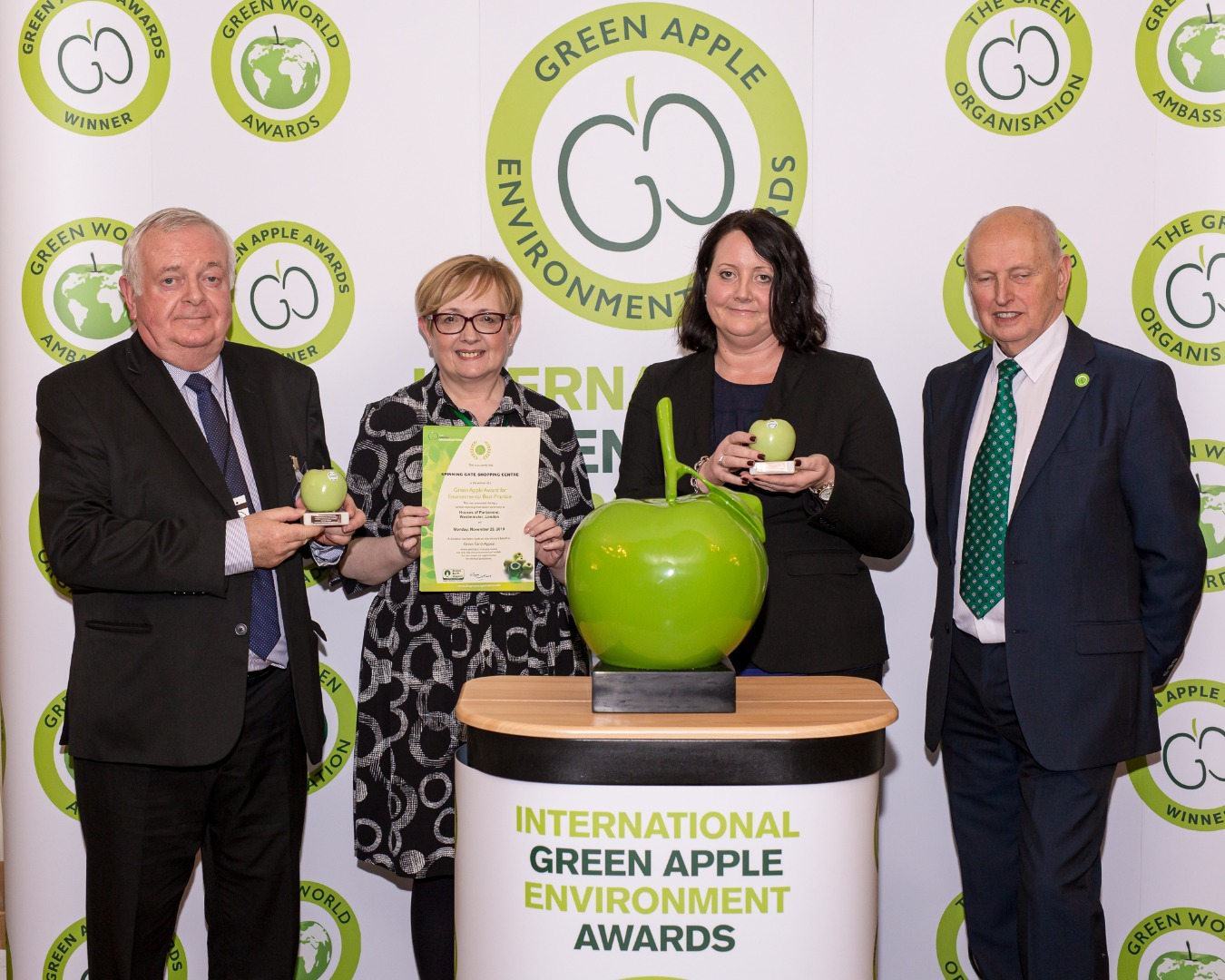 SPINNING GATE SHOPPING CENTRE AWARDED NATIONAL AWARD
