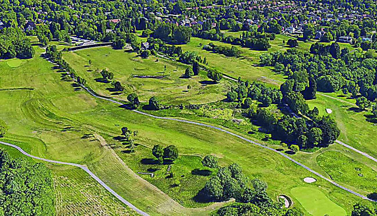 Golf club signs agreement  with developer over housing