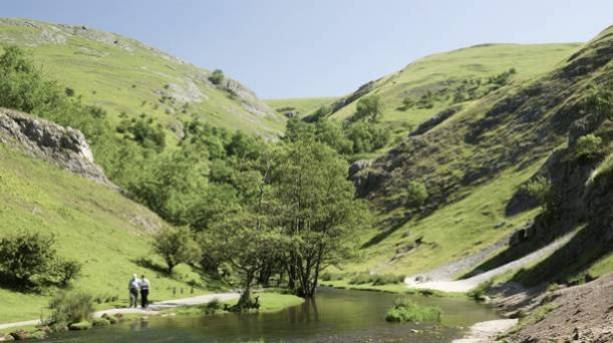 Bolton Ramblers head to the 'Heart of England'